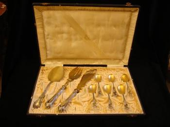 Set of spoons, serving cutlery