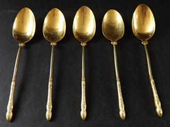 Gilded teaspoons, with hooves